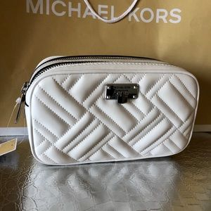 🎉NEW MK White Sm Peyton Camera Crossbody Leather